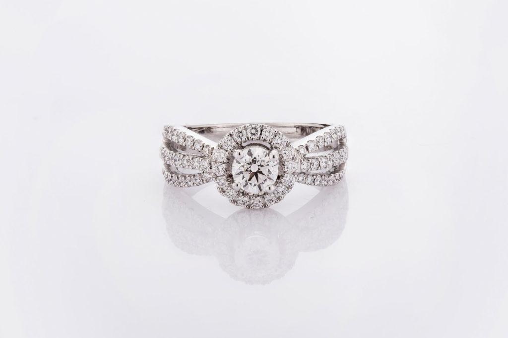 แหวน LCAY
