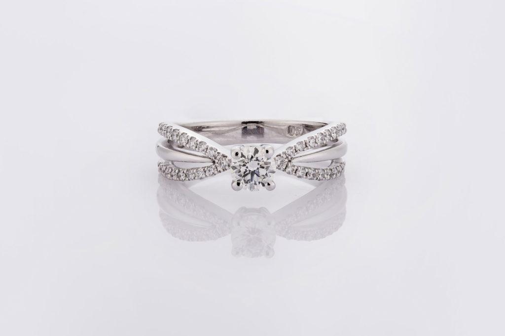 แหวน LAYH