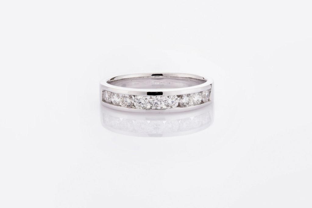 แหวน LAKY