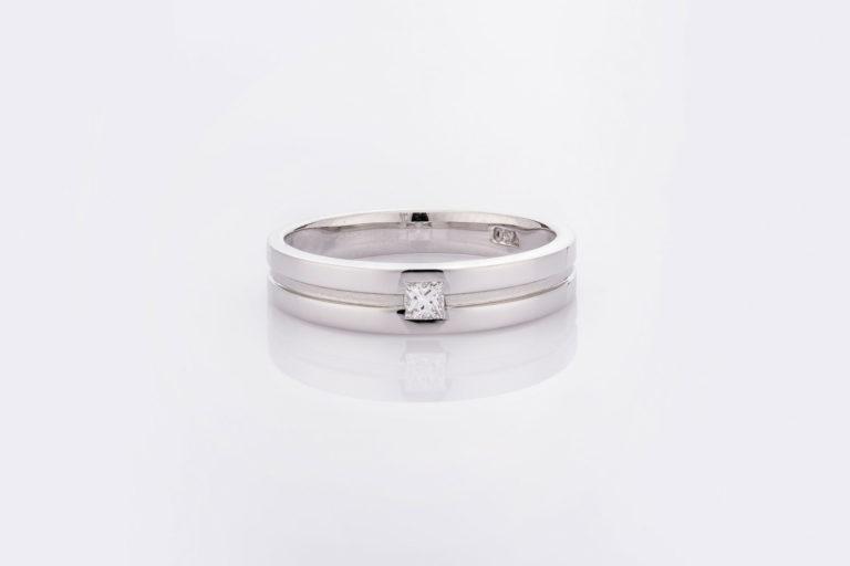 แหวน LALY